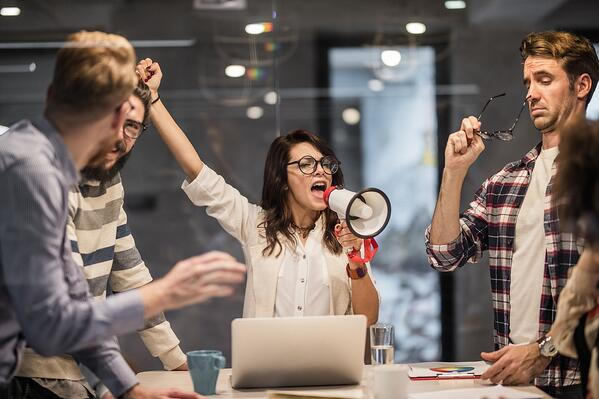 Sales Manager encourages her salespeople to perform