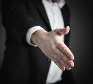 handshake-2056021_1280
