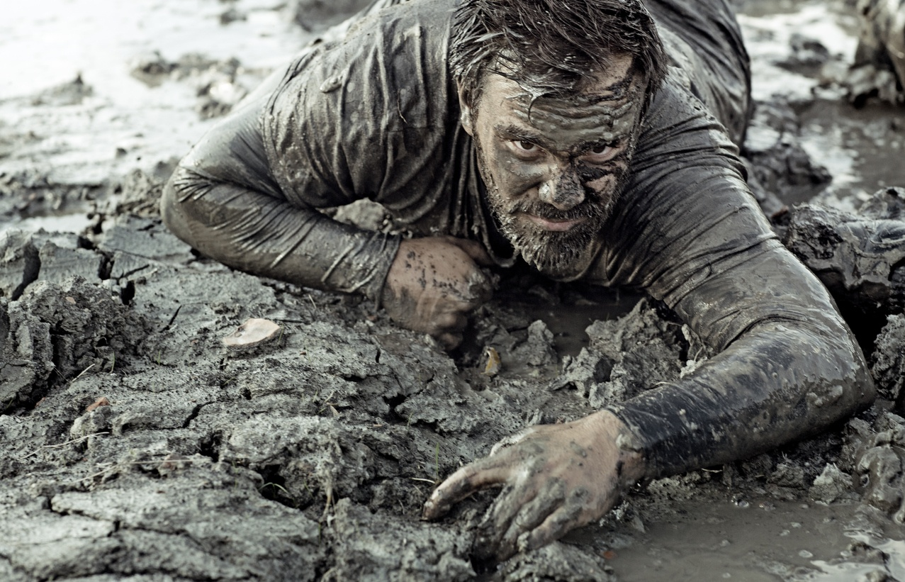 Resilient salesperson overcoming challenges because they have the sales personality traits to win